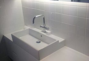 mgs-constructions-pty-ltd-bathroom-with-washbasin
