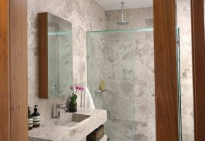 mgs-constructions-pty-ltd-glasses-in-bathroom