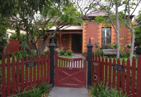 mgs-constructions-pty-ltd-red-wooden-gate