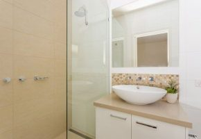 mgs-constructions-pty-ltd-white-bathroom-builders